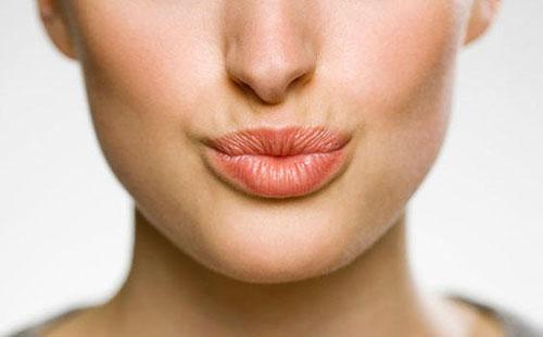 Массаж для губ