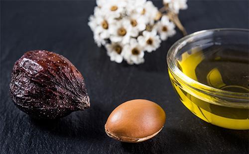 Масло и плоды ши