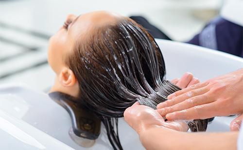 Процесс окраски волос