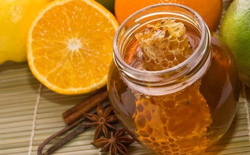 Мед в сотах и лимон