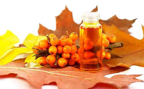 Облепиховые ягоды и масло